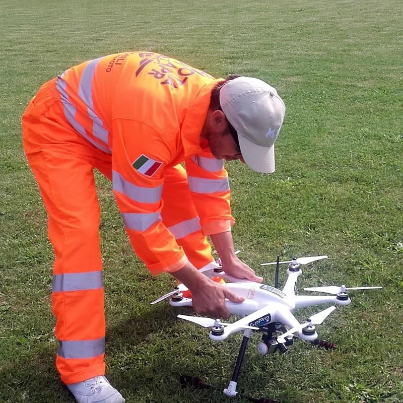 Antares Progettazione - pilota con drone